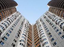 Запорожанка едва не выбросилась с крыши шестнадцатиэтажки