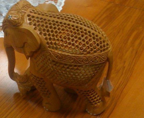 Запорожскому губернатору подарили слона (ФОТО)