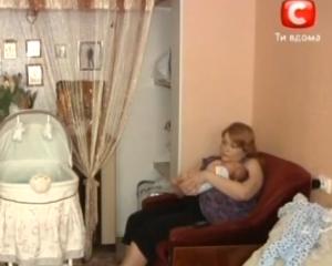 В Запорожье коммунальщики решили отобрать квартиру у матери с грудничком