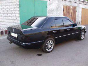 Mercedes-Benz-124-E230-1324331_1[1]