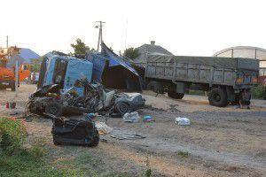 В запорожском селе Опель врезался в КАМАЗ: трое погибли на месте