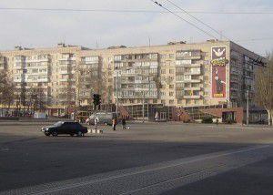 Один-из-домов-на-площади-Свободы