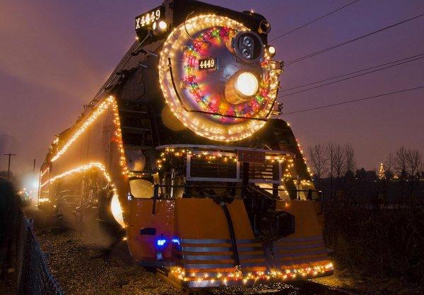 Запорожцы смогут уехать из города на дополнительных поездах