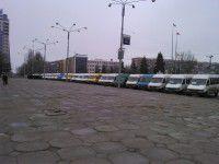Фотофакт: запорожские маршрутчики выехали митинговать под ОГА