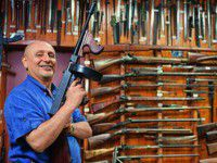 Умер основатель запорожского музея оружия