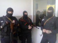 Утренник в запорожской облбольнице: здание оккупировали люди в масках