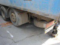 В Запорожье мужчину переехало грузовиком, который он чинил
