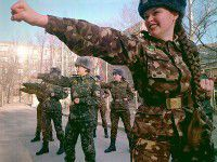 Запорожанки  записываются в ряды армии