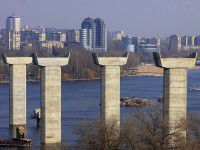 Подсчитали, сколько было украдено в ходе строительства запорожских мостов