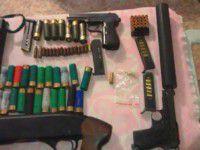 В Запорожье у опасного рецидивиста со стажем изъяли арсенал оружия
