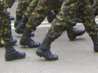 Запорожским военным ограничили общение  с кандидатами в Президенты