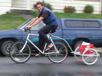В Запорожье курьеров пересадили на велосипеды
