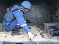 Запорожские фермеры пахали поле и нашли арсенал оружия (ФОТО)