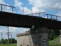В Орехове полным ходом идет ремонт взорванного моста (ВИДЕО)