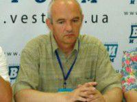 Экс-глава Народной рады получил во время заседания по лицу