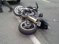 Разбившийся в ДТП мотоциклист прождал медпомощи всю ночь