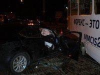 В ночном ДТП возле «Украины» серьезно пострадала пара на «Лексусе» (ФОТО)