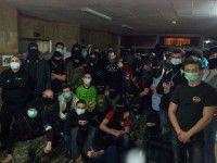 В Вольнянском интернате детей от людей в масках прятали в спальне (ВИДЕО)