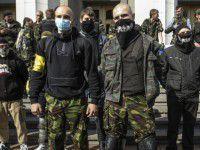 Активисты Правого сектора нашли сейф с наркотиками и оружием (ФОТО)