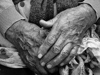 В Бердянске слепой старушке вернули внука из зоны АТО