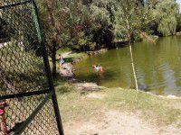 Житель Энергодара утонул в озере городского парка на глазах у девушки