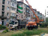 Фоторепортаж не для слабонервных: запорожские спасатели восстанавливают Славянск из руин
