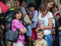 Беженцев, живущих на Хортице, насильно выселяют домой