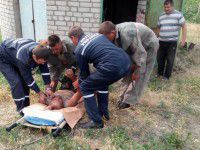 В Запорожской области спасатели вытащили слесаря из-под земли