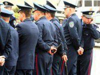 Запорожский милиционер, вытанцовывая под Киркорова, стал звездой Интернета (ВИДЕО)
