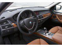 У жителя Луганской области угнали на курорте BMW X-5