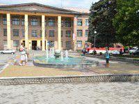 Жителям Кичкаса ко Дню металлурга подарили фонтан