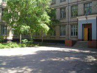 В Запорожье родительница прогуляла деньги на новые парты третьеклассникам