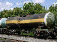 В Запорожской области по рельсам растеклась серная кислота