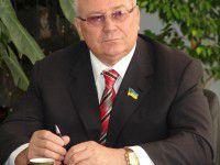 Видео дня: Запорожскому нардепу, который отказался голосовать за люстрацию, кричали: «Ганьба!»