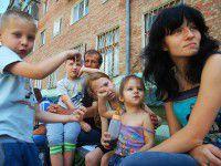 Запорожцам, приютившим беженцев, обещают скидки на комуслуги