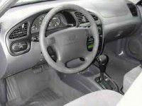 Девять хулиганов с оружием «увели» у таксиста «Ланос»