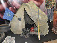 Фоторепортаж: На открытие выставки о Майдане не пустили замгубернатора