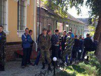 Запорожский суд не отпустил бойцов домой на Волынь