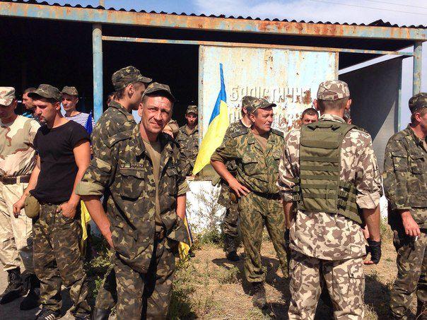 Солдат, устроивший бунт на «Близнецах», отправили в зону АТО