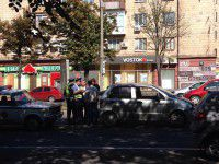 В центре Запорожья  иномарка «зацепила» маршрутку