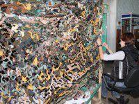 Тыл-фронту: в Запорожье «кикимор» плетут даже дети