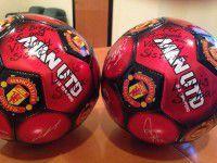 Любой каприз: Запорожским бойцам передали мяч с автографами  игроков «Манчестер Юнайтед»