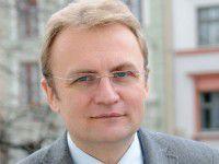 Мэр Львова рассказал, почему не взял в свою партию запорожцев