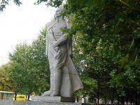 Запорожцев зовут сносить памятник Дзержинскому
