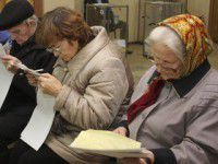 На избирательном участке пенсионерка отказалась уходить, пока ей не починят лифт