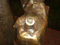 Фотофакт: В Запорожье вандалы добрались до нового памятника сталевару