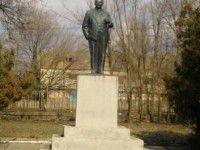 В Запорожской области еще один Ильич слетел с постамента
