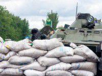 В Запорожской области грузовик врезался в блокпост — пострадали военные