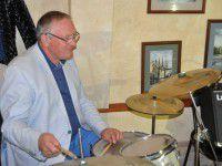 Видео дня: Валерий Баранов снова сел за барабаны