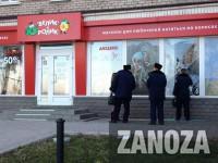 Ночное ограбление: У воров не хватило силы разбить витрину магазина на Победе